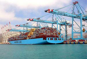 Vue du port de Tanger Med